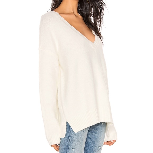 BB Dakota Sweaters - BB Dakota Ivory Sweater